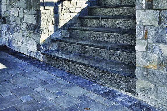 PAS-FLOORING-FEATURE-SILVER-GREY-AQUARIUS | Surrey Stone Supplier | Pacific Art Stone
